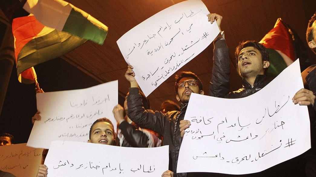 Jordanos de luto pelo piloto assassinado pelo Estado Islâmico