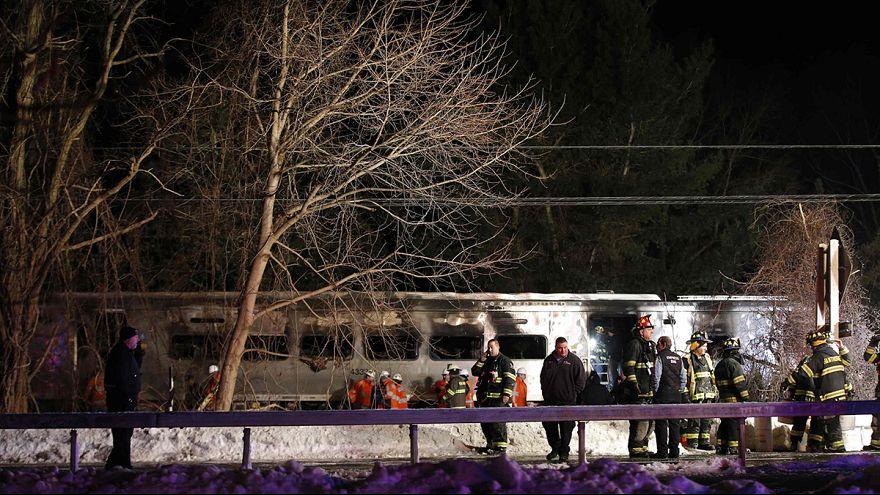 Siete muertos en la colisión de un tren con un vehículo en Nueva York