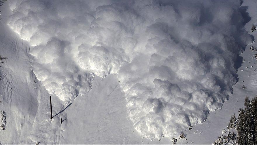 """Uma avalanche """"artificial"""" na Suíça"""