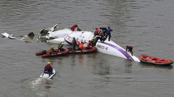 Tuhaf havacılık kazaları: Selfi çekerken uçağı düşürdü