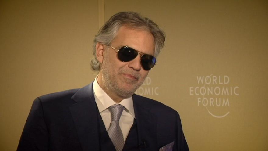 """Andrea Bocelli: A música """"era o meu destino"""""""