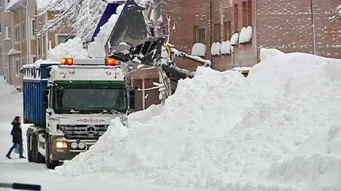 İsveç'te kar kalınlığı rekoru kırılıyor
