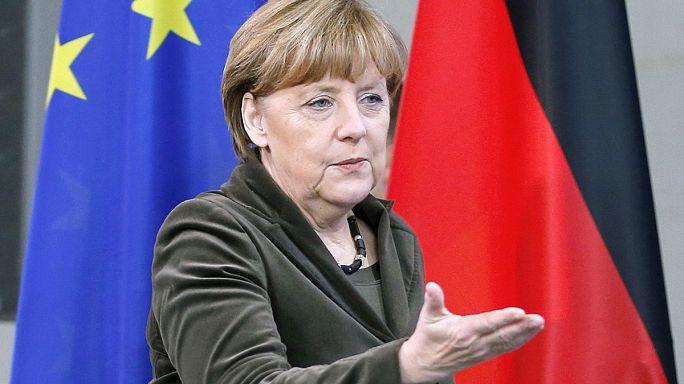 Porosenko támogatást kér, a világ vezetői tovább tárgyalnának