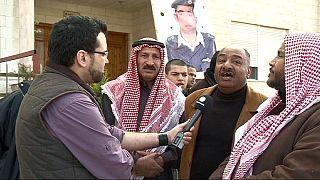 Ζητούν εκδίκηση οι πολίτες της Ιορδανίας για την πυρπόληση του πιλότου
