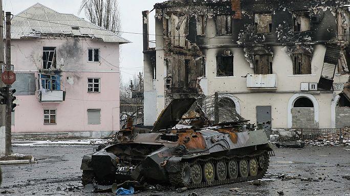 المعارك تتواصل في شرق اوكرانيا وحراك دبلوماسي لتطويق الأزمة