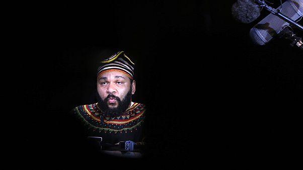 Komedyen Dieudonne'nin 'Charlie Coulibaly' iletisi pahalıya patlayacak