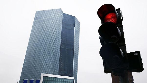 البنك المركزي الاوروبي يوقف استخدام المصارف للسندات اليونانية كضمان للقروض