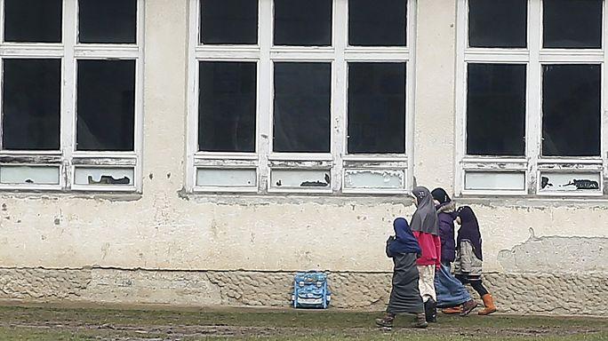 Gyerekeket kínoz és képez ki merényletekre az Iszlám Állam