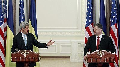 """Kerry a Kiev: """"la Russia deve impegnarsi su un cessate il fuoco immediato"""":"""