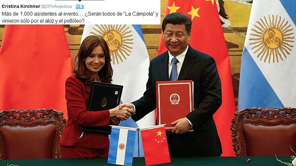 رئيسة الأرجنتين تشعل التويتر بتقليدها للهجة الصينية