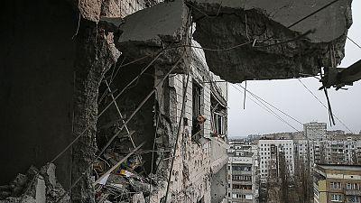 Ucrânia: Separatistas tentam encurralar as forças de Kiev