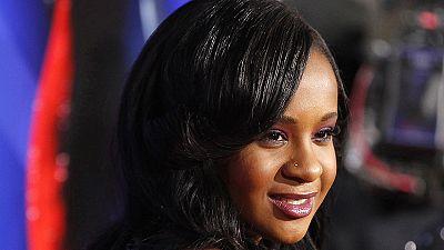 La familia de la hija de Whitney Houston desmiente que esté en coma