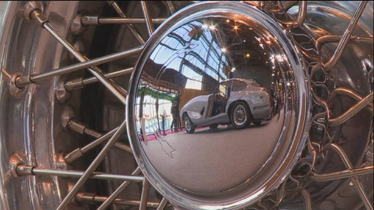 Retromobile: lussuose auto d'epoca da restaurare