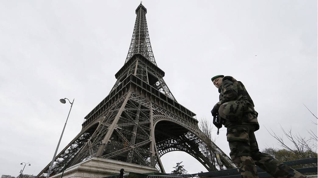 Paris bans action films in the wake of Charlie Hebdo attack