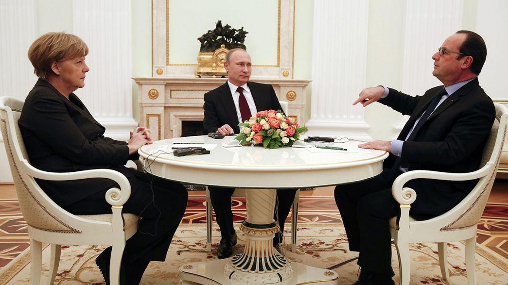 Moskova'da Putin, Hollande ve Merkel'in görüşmesi sürüyor