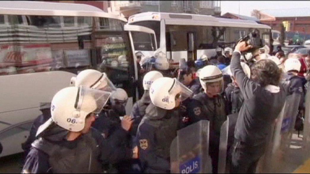 Türkische Polizei nimmt mindestens 50 Demonstranten fest