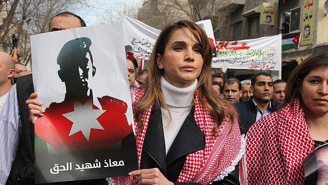 Королева Иордании — во главе акции протеста