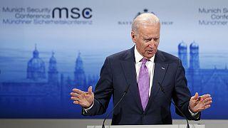 "US Vice President Joe Biden says Russian President Vladimir Putin has ""a simple stark choice"""