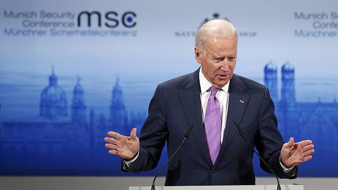 "US Vice President Joe Biden says Russian President Vladimir Putin has ""a simple stark choice"""
