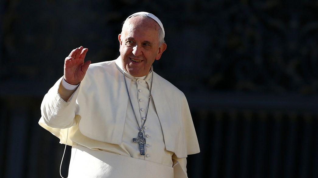Kinderschutzkommission kritisiert Papst wegen Klaps-Worten