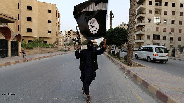 Családanyát vádolnak a terroristák támogatásával