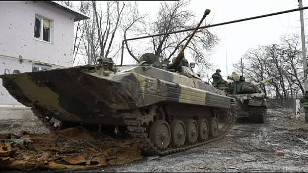 Ukraine forces primed for fresh assaults as separatists mass around Debaltseve and Mariupol