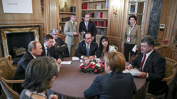 Leaders agree four-way talks on Ukraine crisis in Minsk on Wednesday
