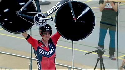 Rohan Dennis sets new hour record