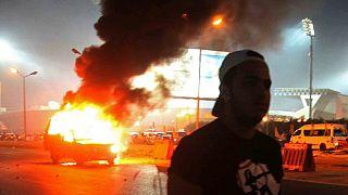 مصر: مقتل 22 في اشتباكات بين الشرطة ومشجعي الزمالك وارجاء الدوري لاجل غير مسمى