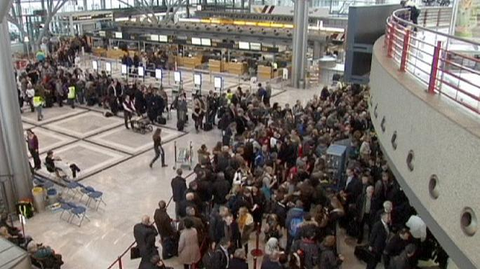 Striking security staff shut down Hamburg Airport for hours