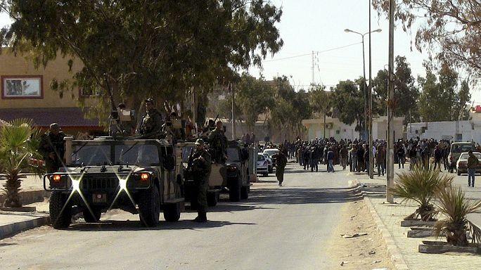 Tunus'un Tatavin şehri sınır vergisini protesto ediyor