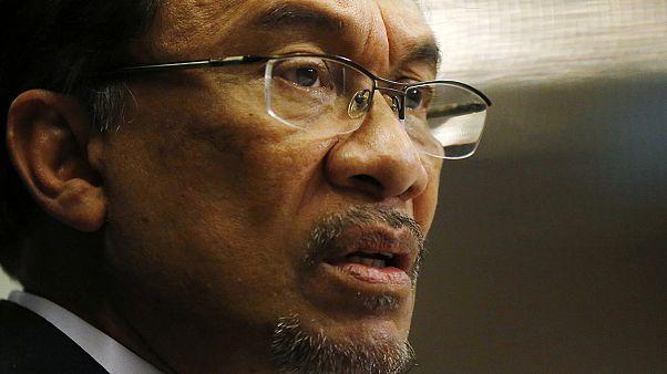 رهبر مخالفان مالزی به اتهام لواط به پنج سال زندان محکوم شد