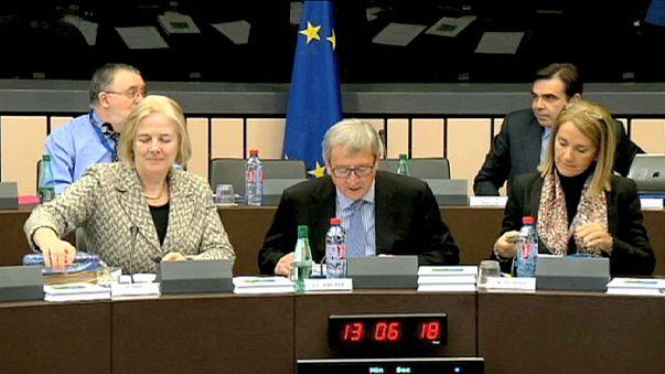 Eurozone officials seek Greek debt deal