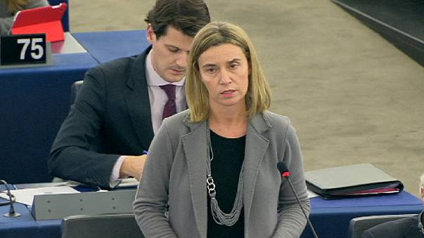 UE apela à colaboração russa para um acordo de paz na Ucrânia