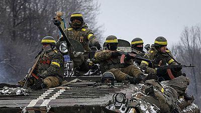 Ucrânia: guerra a contra-relógio na véspera de negociações