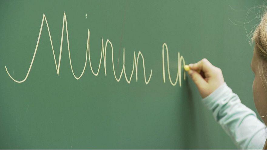 Современные школы отказываются от прописей в пользу клавиатур