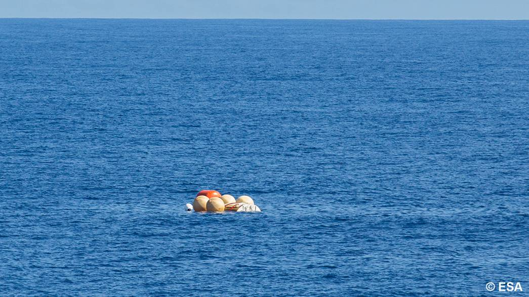 European Space Agency's IXV wingless experimental spacecraft successfully returns to earth.