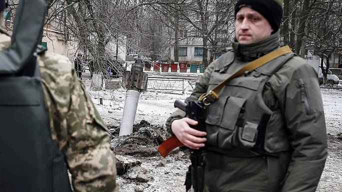 Kramatorsk sakinleri roket saldırılarından kaçıyor