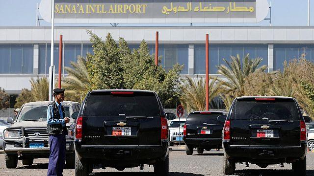 Yemen'de ülkeyi terk eden yabancı diplomatların araçlarına el konuldu