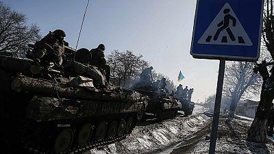 Méfiance réciproque des Ukrainiens et des Russes après l'accord de Minsk