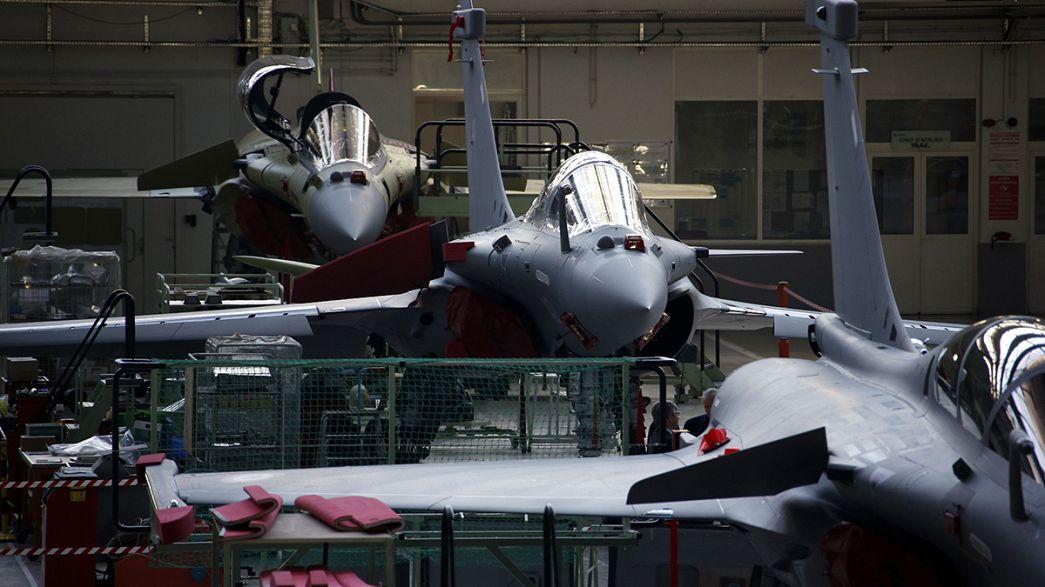 Egito torna-se primeiro comprador do caça francês Rafale