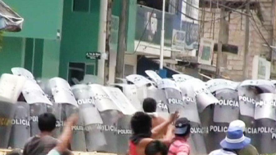 Protestos violentos no Peru contra exploração de gás natural