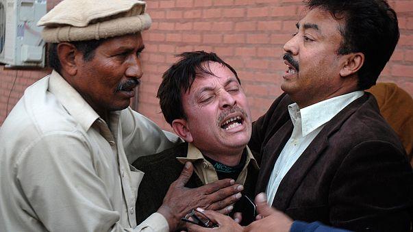 Viele Tote bei Anschlag auf pakistanische Moschee