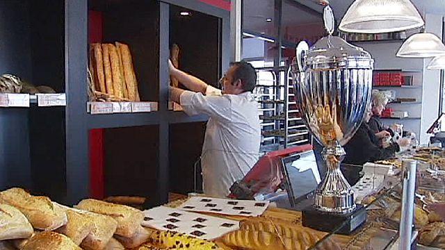 A vasárnapi zárva tartást támadja a francia sztárpék