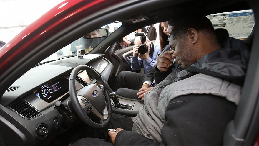 """Une nouvelle voiture pour le """"marcheur de Détroit"""""""