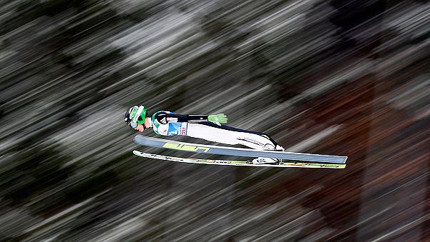 Prevc bate récord del mundo de saltos de esquí en Vikersund