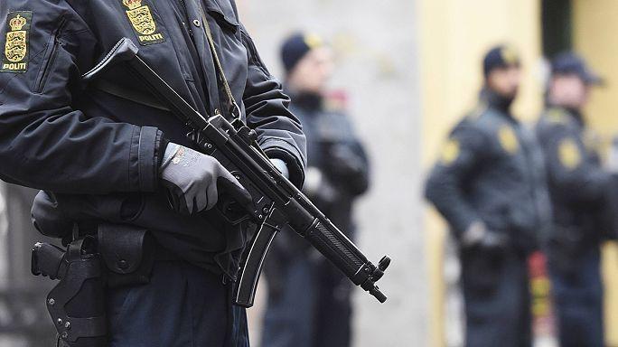 Copenhague : deux personnes arrêtées, l'assaillant présumé abattu par la police