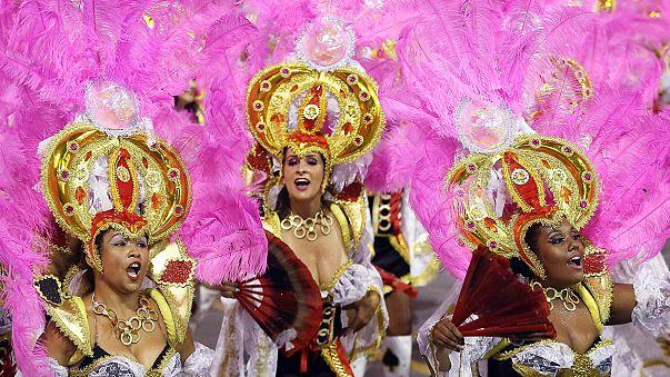 Rio'da dans, müzik ve renk cümbüşü