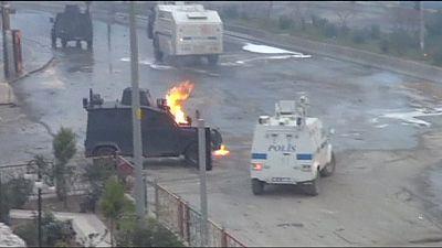 Confrontos assinalam aniversário da prisão de Öcalan
