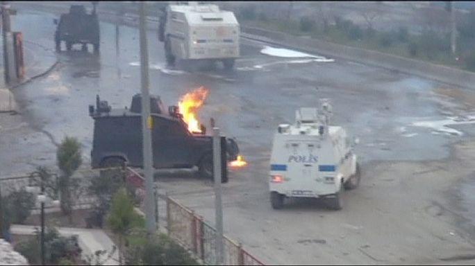 Столкновения полиции со сторонникам Оджалана на юго-востоке Турции